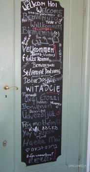 Bienvenidos, visto en un café de Amsterdam