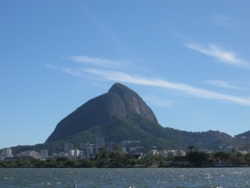 Morro dois Irmãos desde Lagoa Rodrigo de Freitas.