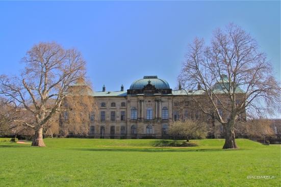 Japanisches Palais (Palacio Japonés)